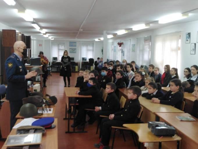 Сотрудники УФСИН России по Республике Адыгея провели урок памяти для учеников православной гимназии2.jpeg