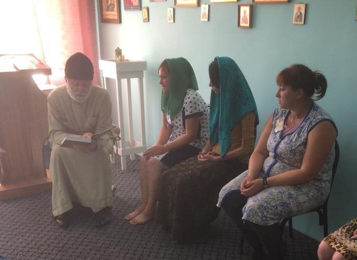 Священнослужители Майкопской и Адыгейской епархии провели богослужения и беседы с осужденными в праздник Рождества Пресвятой Богородицы